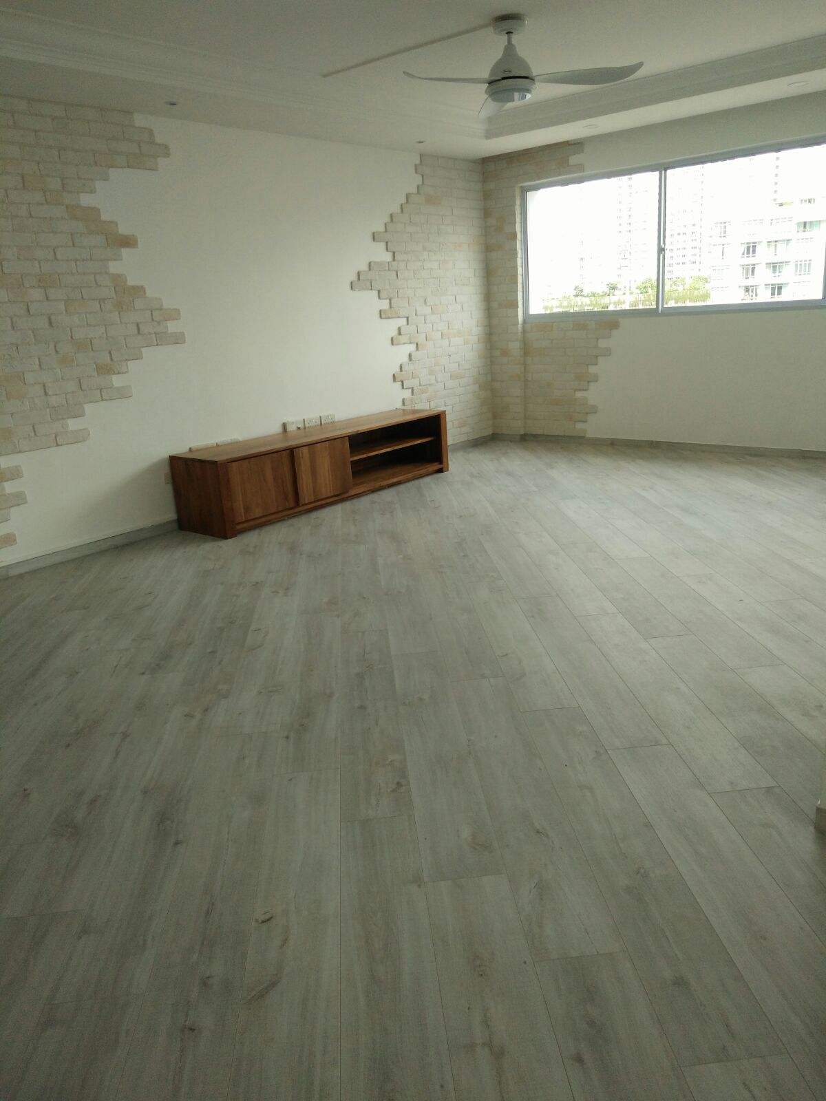 What Is The Best Direction To Install The Flooring Floor Xpert - How hard is it to lay laminate flooring