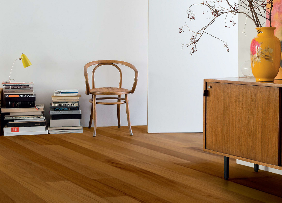Laminate And Wood Flooring: A Side-by-Side Comparison